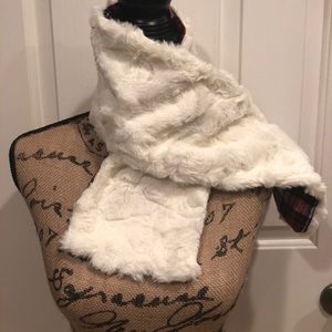 Accessories - NEW Faux Fur And Plaid Flannel Scarf